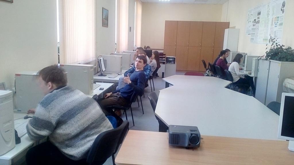 dikie-studenti-v-lesu-novie-russkie-ebutsya